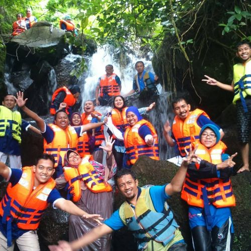 Exclusive Leader Supercamp 2 di Curug Panjang